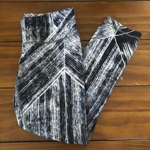Lululemon Capri marble print hi rise leggings